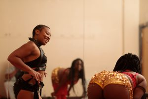 black burlesque dance teacher - https://speakeasynoir.com
